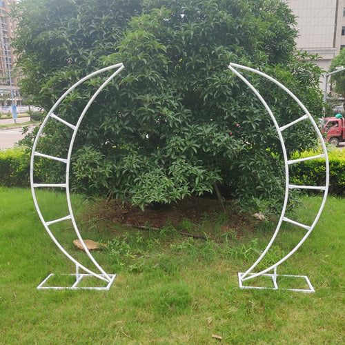 Moon Crescent Shape Metal Arch