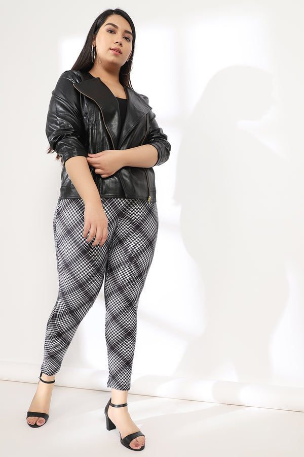 Black White Bais Check Tummy Shaper Printed Leggings