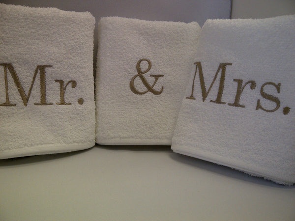 Mr. & Mrs. Hand Towel Set