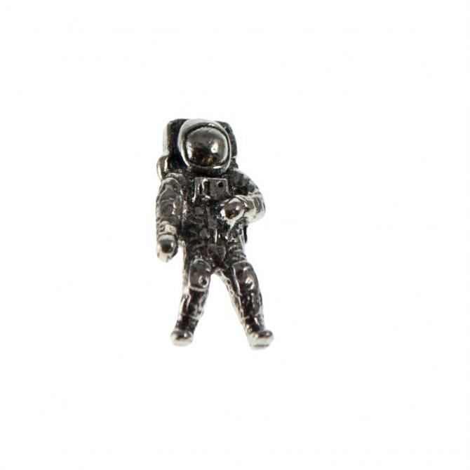 Astronaut Pewter Space Lapel Pin Badge - Minimum Mouse