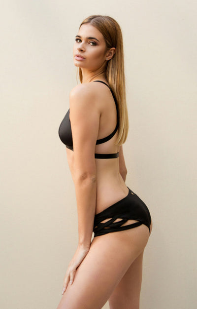 Low Waisted Cross Section Shorts Black Luna Polewear