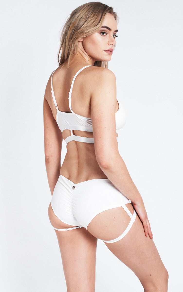Lure You Low Waist Garter Shorts White