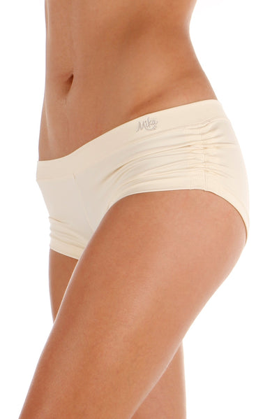 Meeko Short Cream Mika Yoga Wear