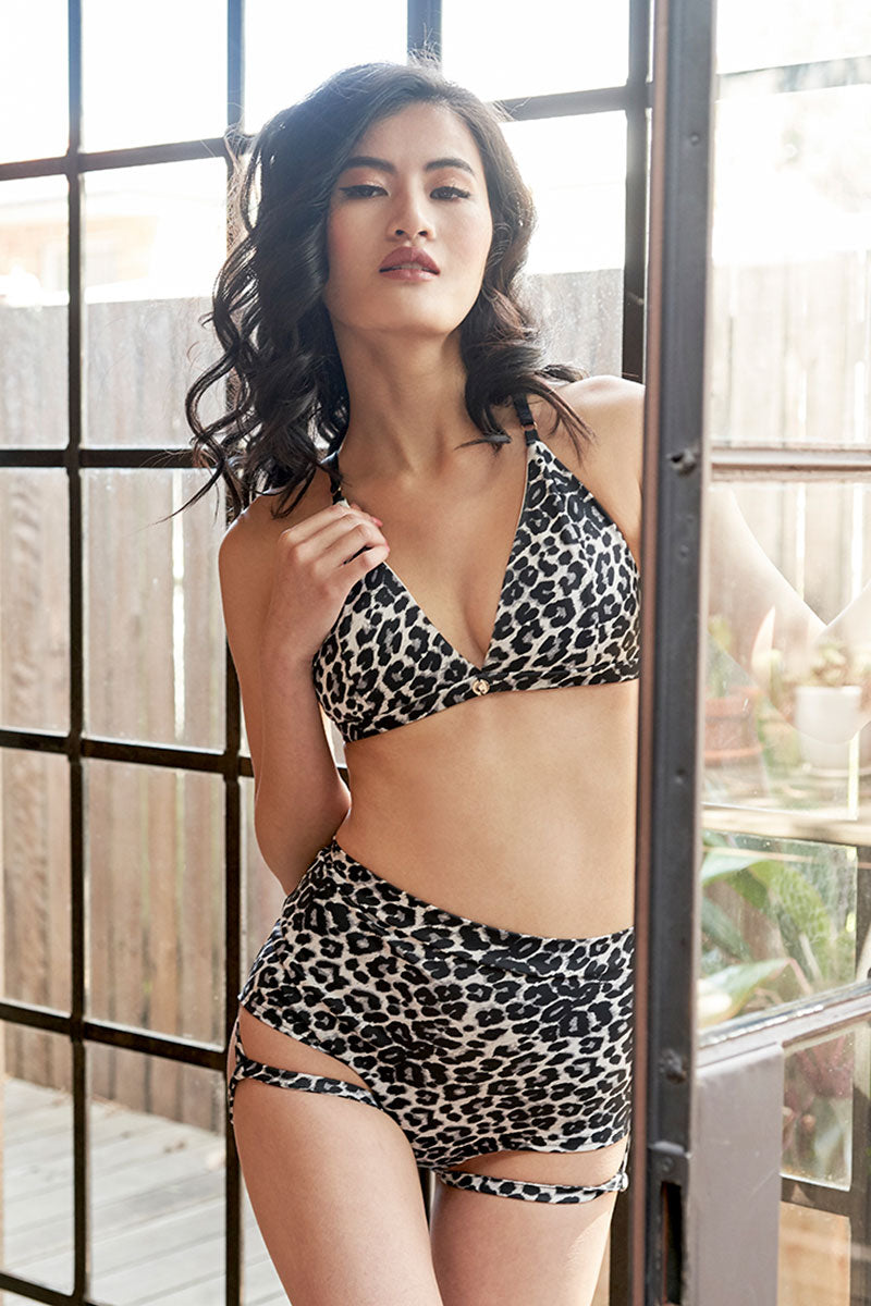 Lure you High Waist Short Grey Leopard Luna Polewear