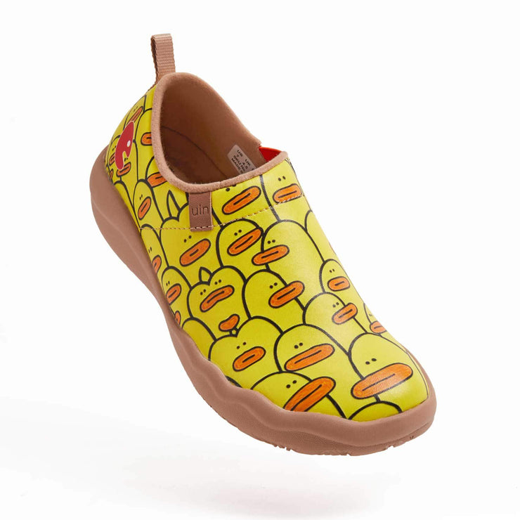 UIN Footwear Women Guess where is me Canvas loafers