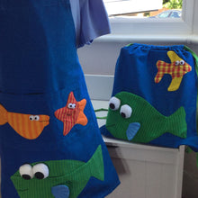 Load image into Gallery viewer, Funky Fish Apron and Bag Gift Set