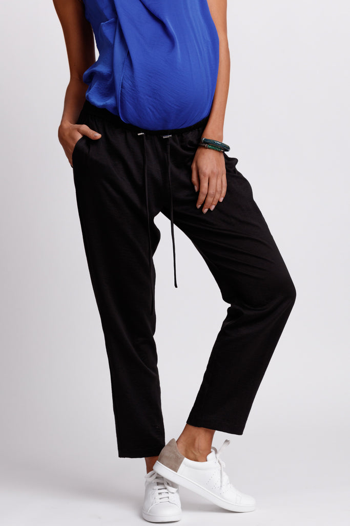 FORMERLY YAN Maternity Jogger Style Trouser Pants in Black with Adjustable Drawstring and Silver Toggles. Tapered Ankle. Relaxed Fit.
