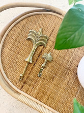 Load image into Gallery viewer, POLISHED BRASS PALM TREE HOOK