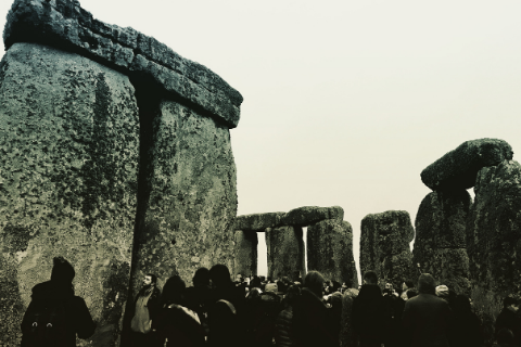 winter-solstice-celebrations-stonehenge