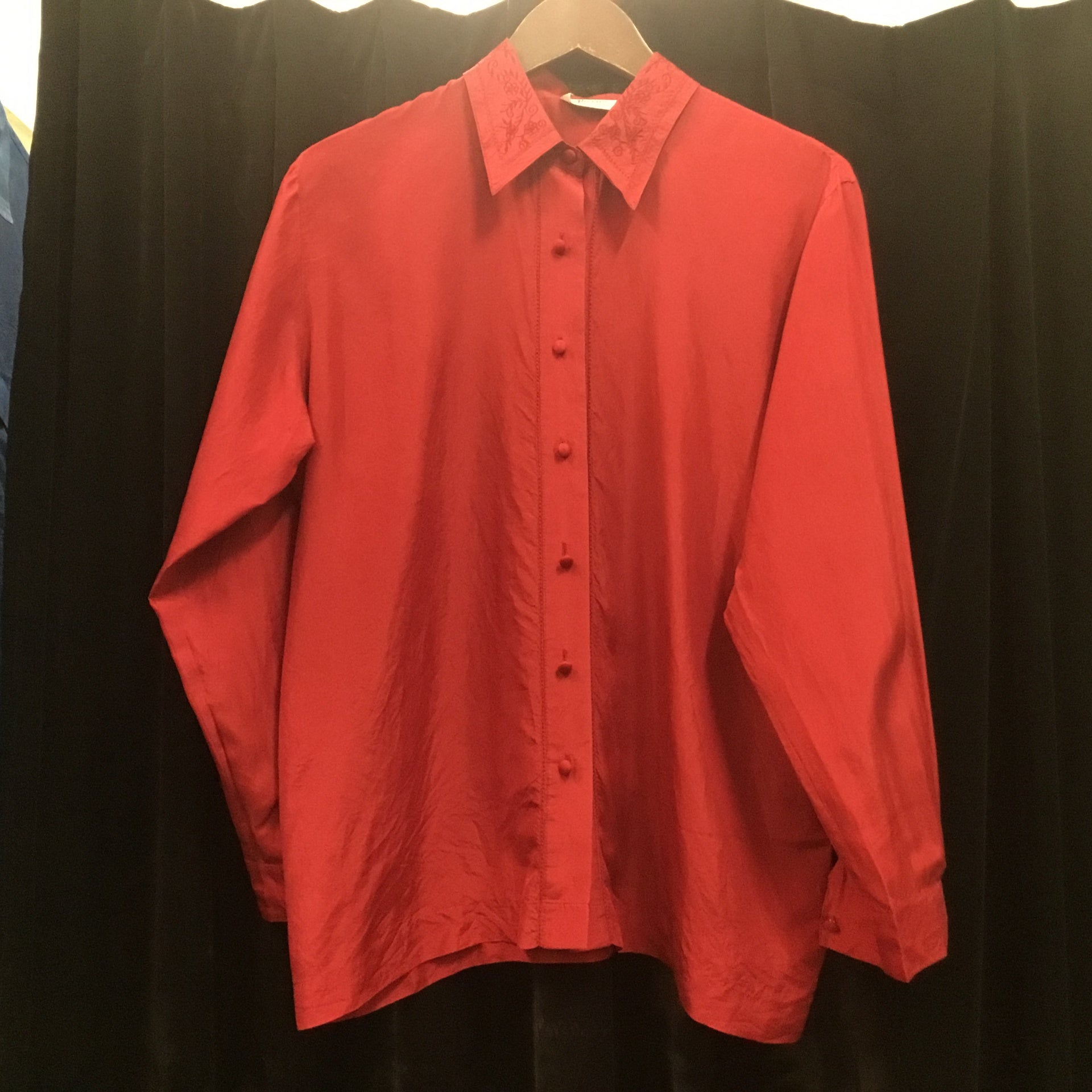 V 90s aherns red silk shirt