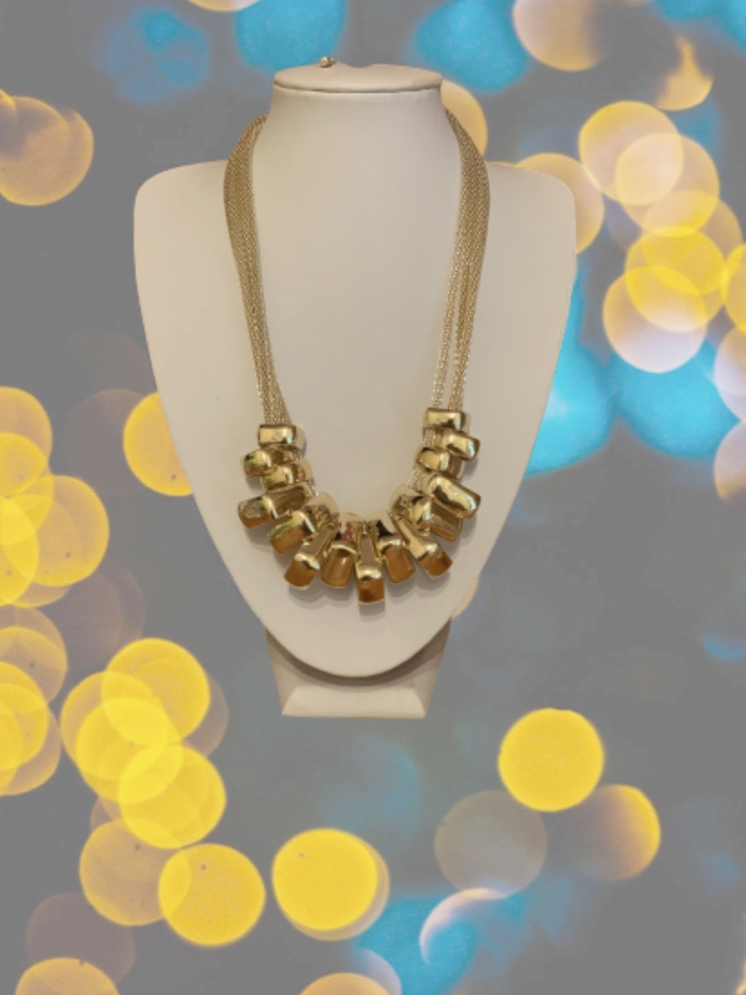 Gold squares necklace