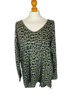 Load image into Gallery viewer, Leopard t-shirt