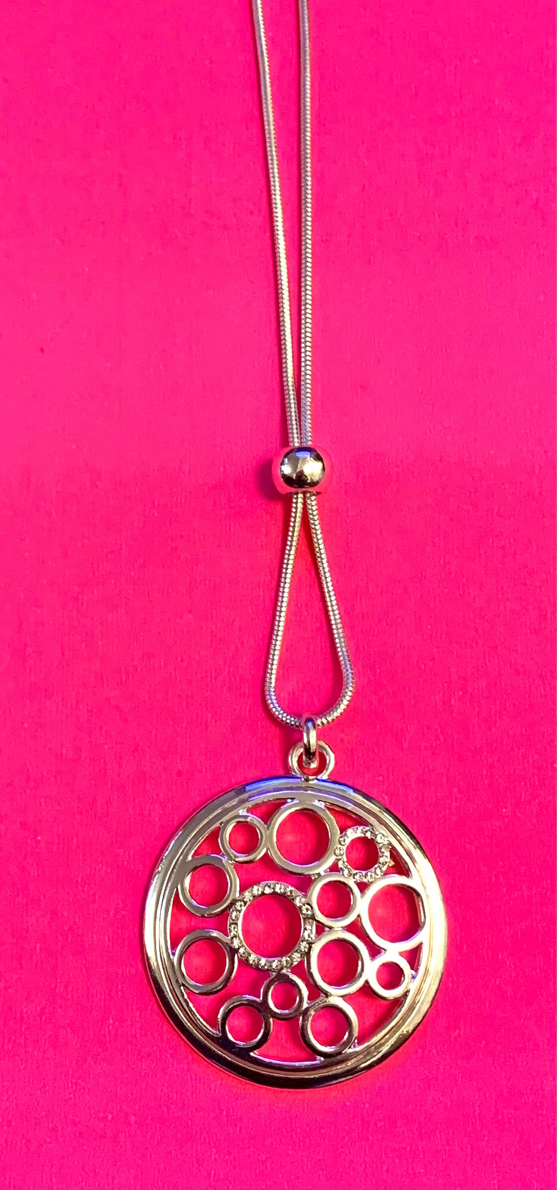 Diamanté circle necklace