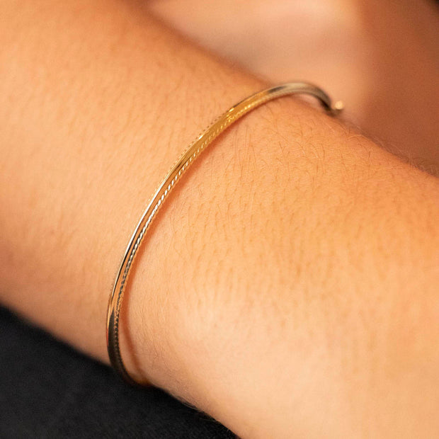 9K Yellow Gold 6mm Patterned-Edge Bangle