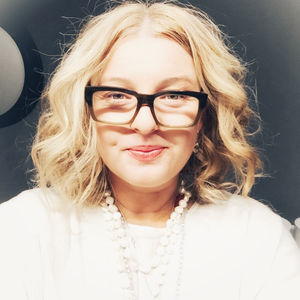 Rachael White, Spiritual Coach, Angel Intuitive Therapist and Founder of Soulscented Apothecary, Perfumery, Coaching & Spiritual Healing College