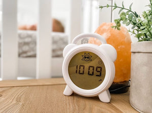 Sleep Easy Star Night Light and Room Temperature Reading