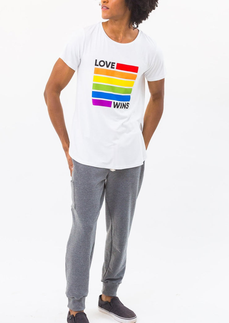Camiseta Estampa Love Wins