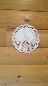 "8"" Round Table Accent Ivory Elegance Pattern"