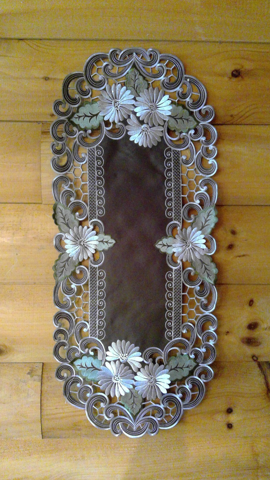 14 x 28 Oval Table Accent Silver Daisy Pattern