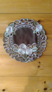 "24"" Round Table Accent Silver Daisy Pattern"