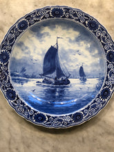 Afbeelding in Gallery-weergave laden, Royal Delft handpainted dutch plate ship