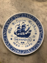 Load image into Gallery viewer, Royal Delft handpainted dutch plate with shop 1970