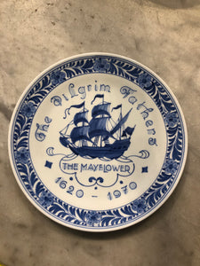 Royal Delft handpainted dutch plate with shop 1970