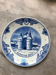 Royal Delft handpainted dutch Christmas plate 1965