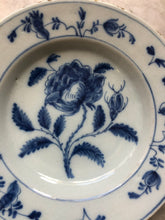Load image into Gallery viewer, Nice handpainted dutch delft plate with tulip