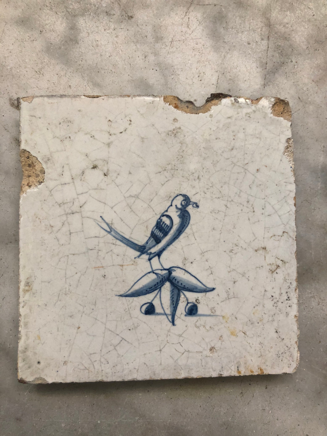 Late 17 th century delft tile with bird