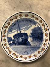 Load image into Gallery viewer, Rare ww1 Delft handpainted dutch plate ship 1918