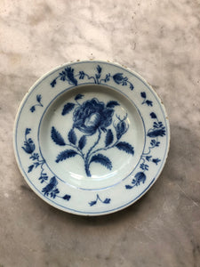 Nice handpainted dutch delft plate with tulip