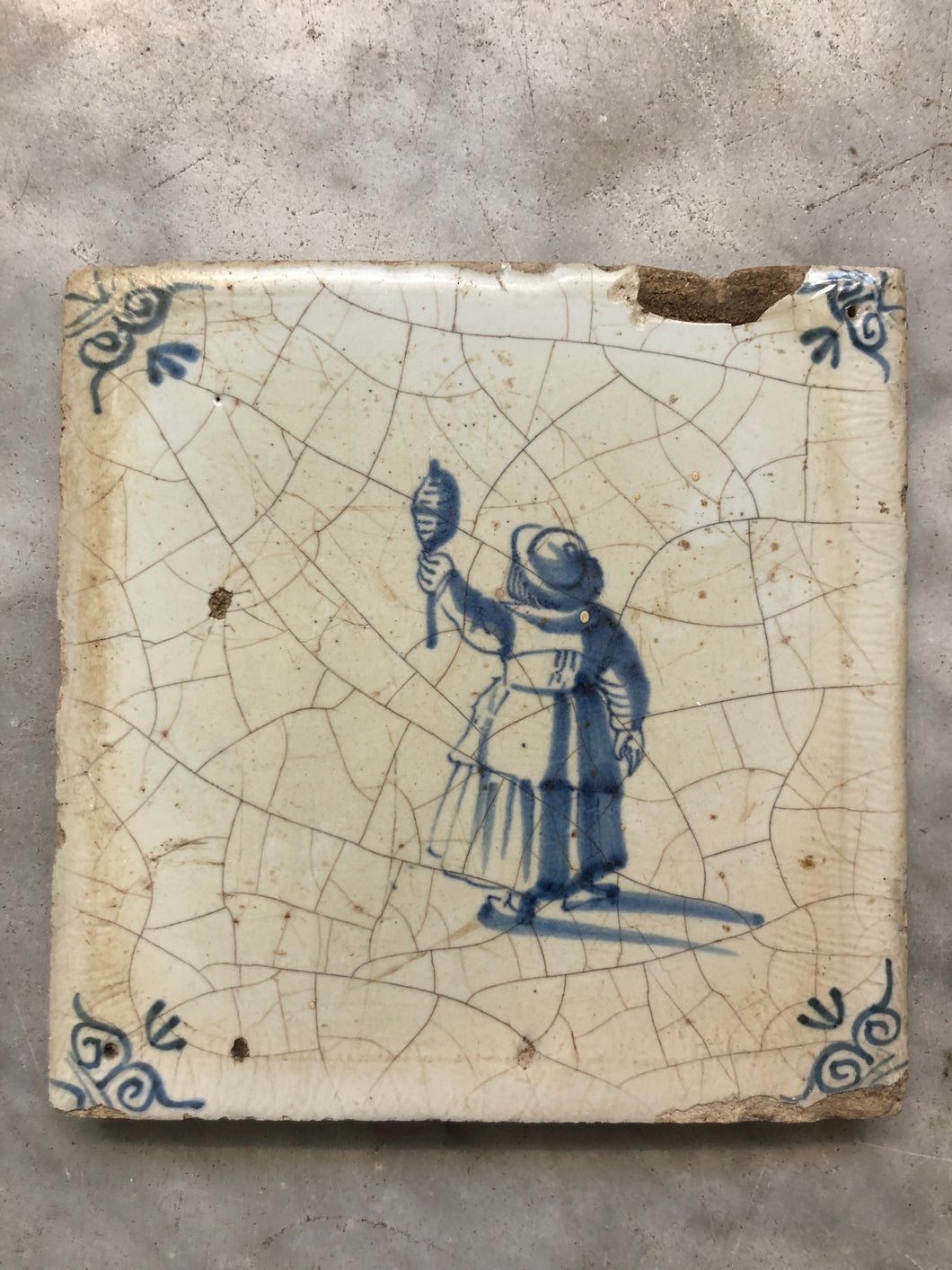 17th century Delft handpainted dutch tile with child