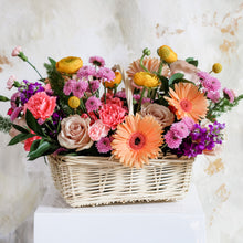 Load image into Gallery viewer, Summer Flower Basket