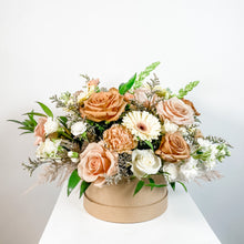 Load image into Gallery viewer, Hat Box Flowers