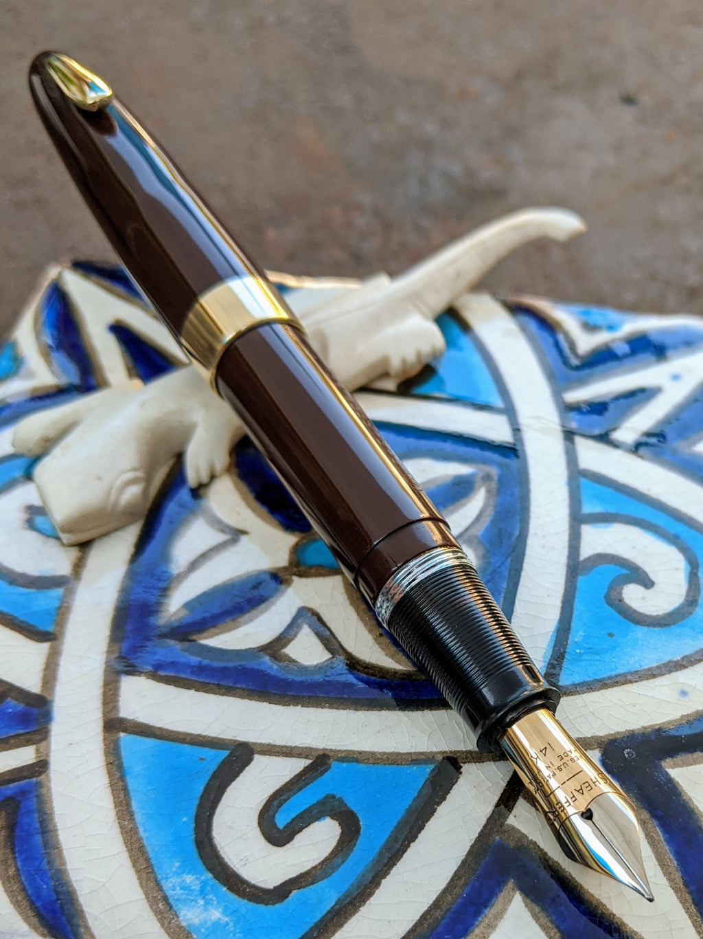 1948 Umber Sheaffer Tuckaway Sovereign - extra-fine