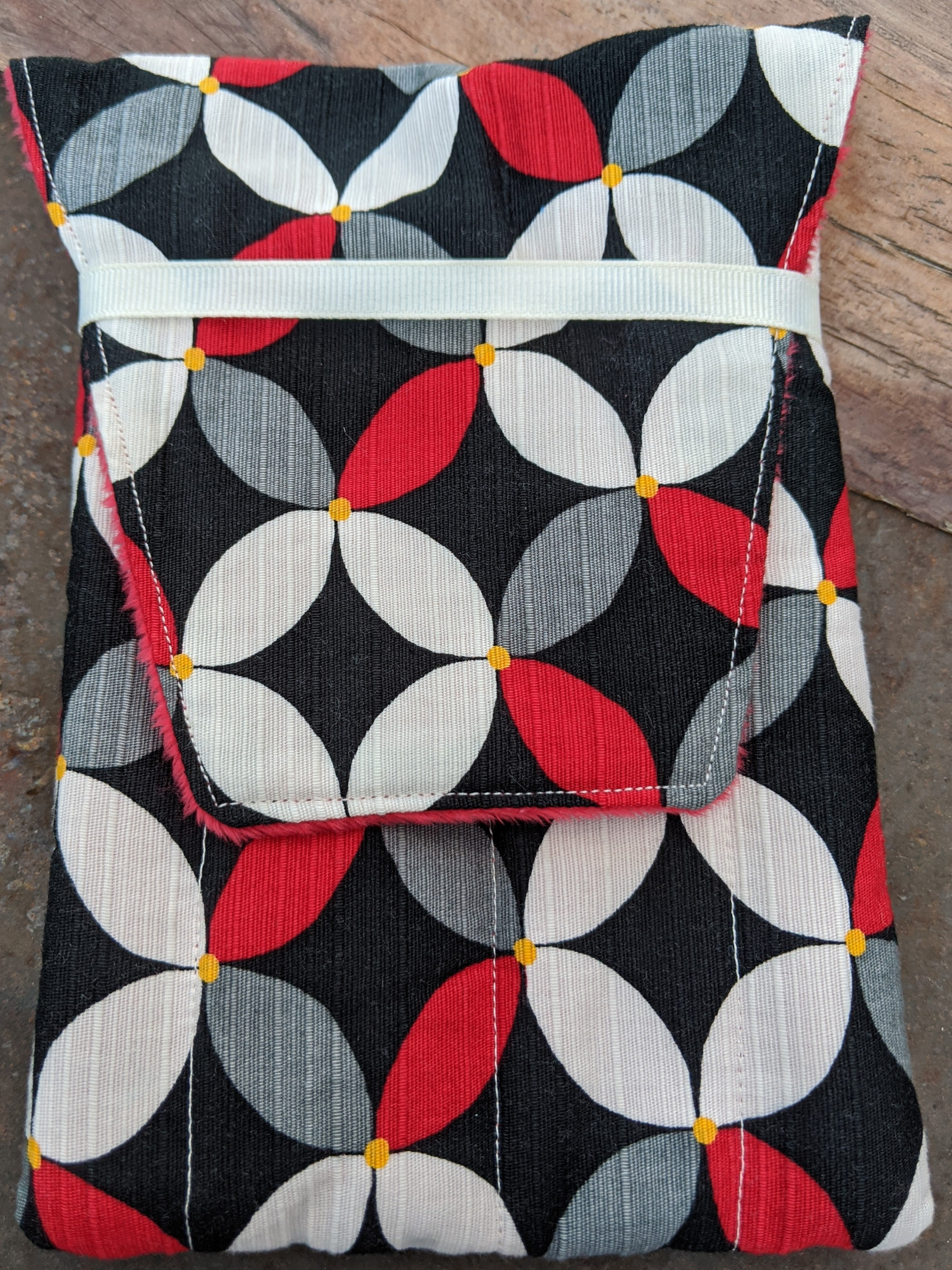 G8mouth Hand-made Eight Pen Case - Red/White/Grey Circles with Red Minky