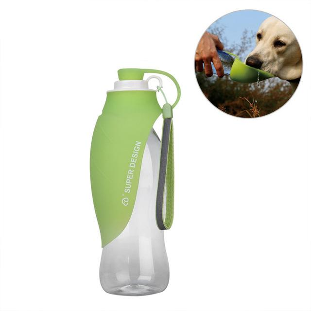 Portable Dog Water Bottle, with Expandable Silicone Flip-Up Leaf - 650ml - Pampered Paws.shop
