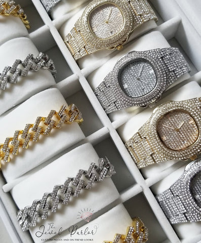 WATCHES/TIMEPIECES