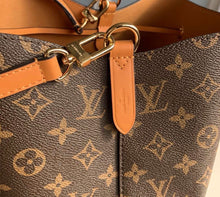 Load image into Gallery viewer, Louis Vuitton