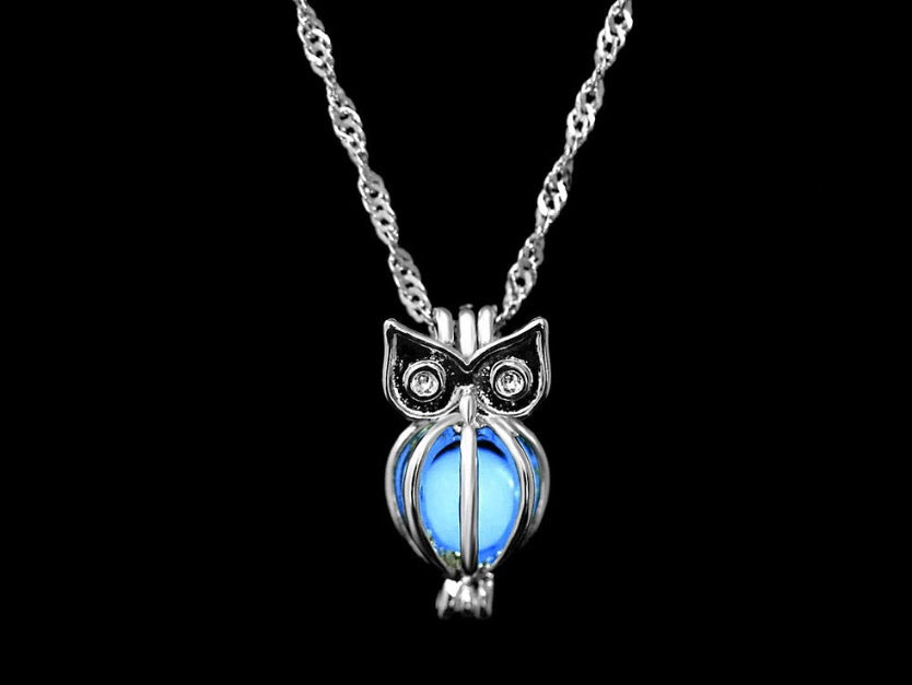 Collier pendentif hibou luminescent