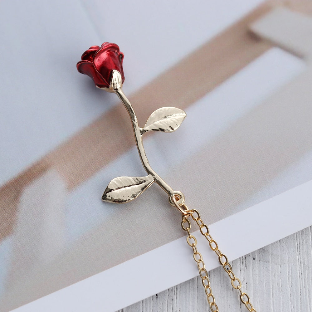 Collier pendentif rose rouge