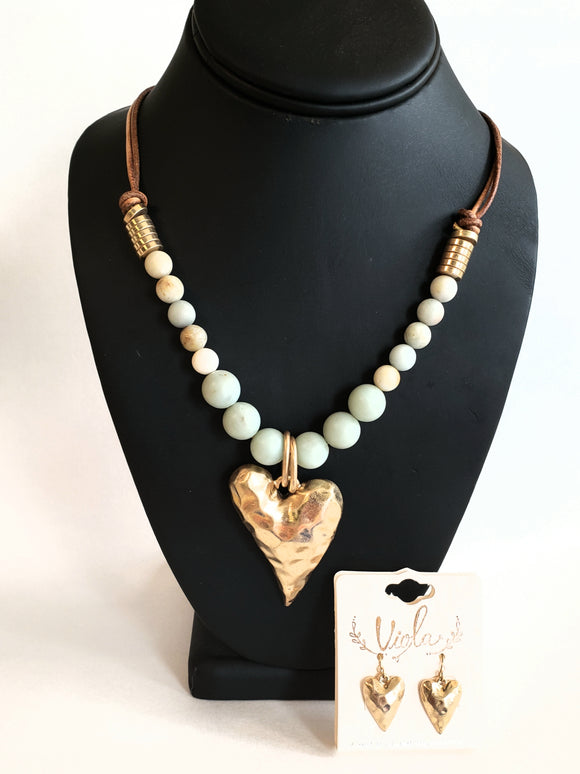Heart Hammered Gold Leather Necklace Set - Chicoras