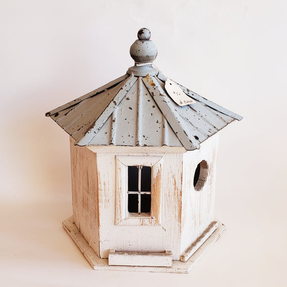 White Distressed Bird House - PICK UP ONLY - Chicoras