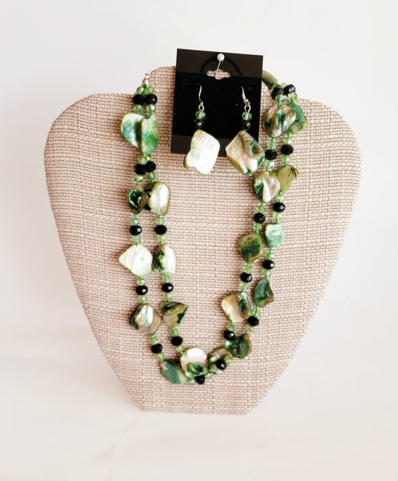 Green Tone Shell Necklace Set - Chicoras