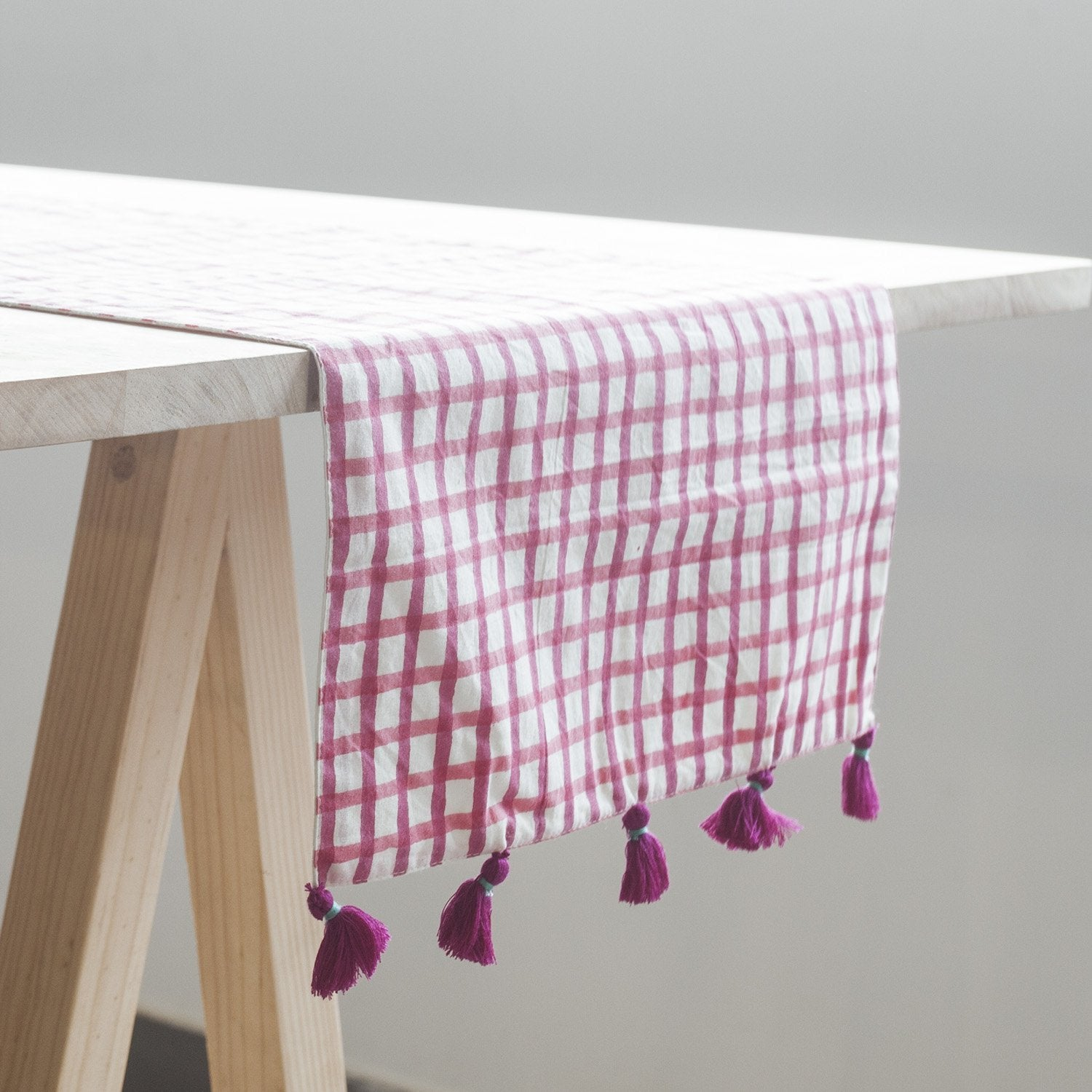 Smart Pink Table Runner - Eyaas