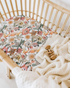 Australiana l Bassinet Sheet / Change Pad Cover - Snuggle Hunny Kids - Green Lily