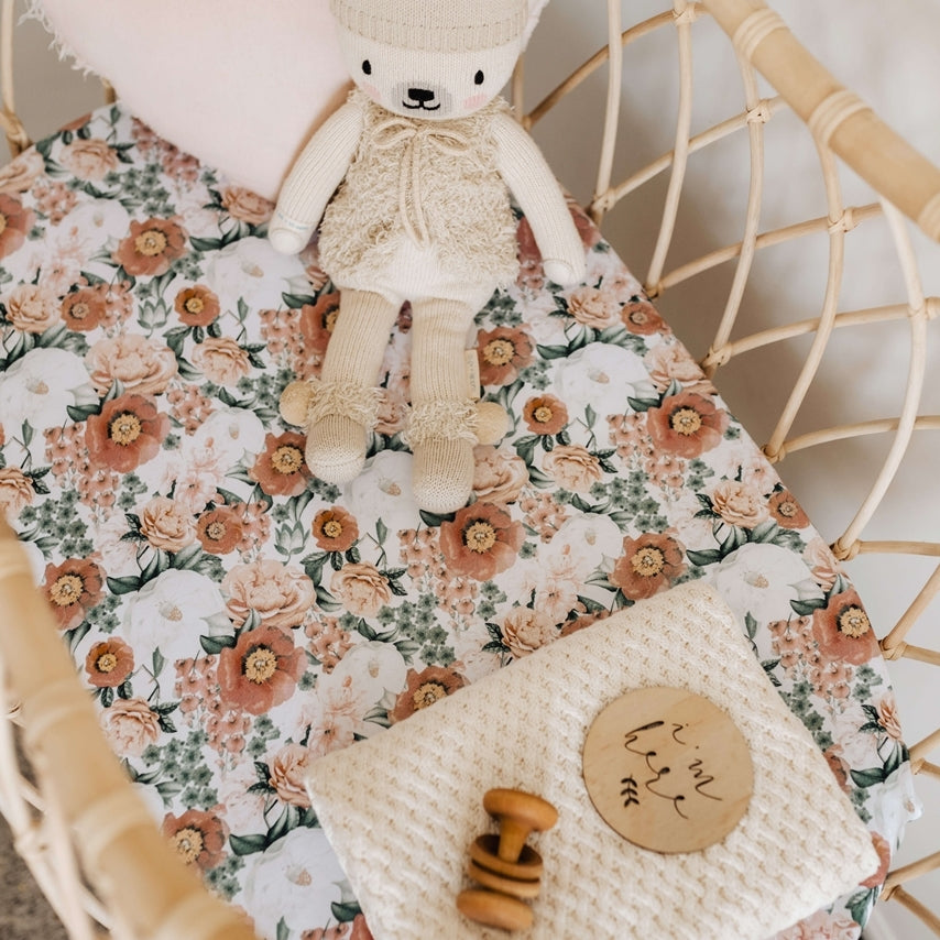 Florence l Bassinet Sheet / Change Pad Cover - Snuggle Hunny Kids - Green Lily