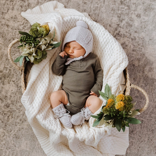 Grey Merino Wool Bonnet & Booties l Snuggle Hunny Kids - Green Lily