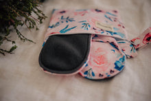 Load image into Gallery viewer, 2 PACK WITH WET BAG - REUSABLE CLOTH PADS - My Little Gumnut - Green Lily